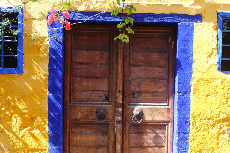 03-una-porta