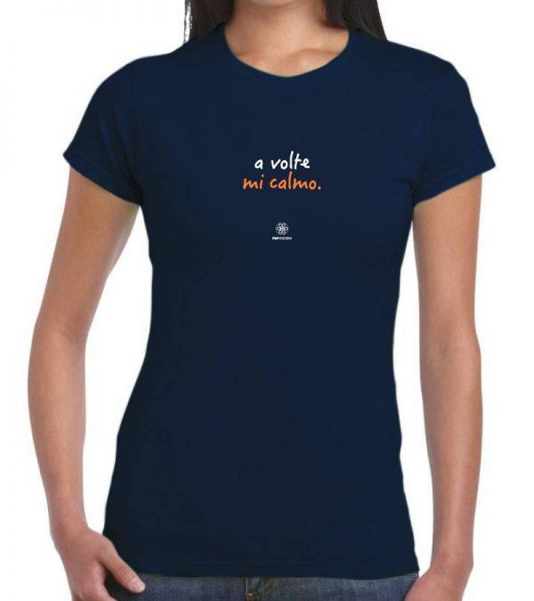 T-shirt donna - A volte mi calmo - ricamo navy
